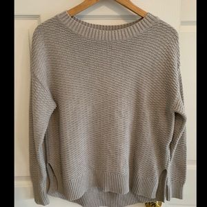 GAP Knit crew neck sweater color grey SZ SMALL